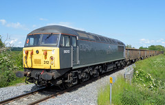 56312 (R~P~M) Tags: uk greatbritain england train bars diesel unitedkingdom buckinghamshire railway locomotive aylesbury bucks 56 aylesburyvaleparkway dcrail