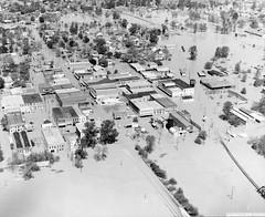 Red River, Jefferson, Texas, 1945 (LSU Shreveport Archives) Tags: redriver floods jeffersontx
