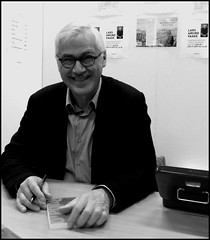 L A Vaage; a favorit Norwegian writer of poems and novels signing copies at Gteborg Book Fair (swenwllter) Tags: norway bergen rubato larsamundvaage
