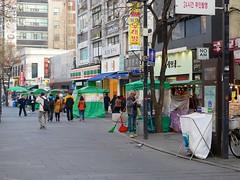 Insa-dong (Travis Estell) Tags: korea seoul insa southkorea jongno 7eleven insadong republicofkorea sharedstreet jongnogu