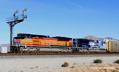 Southern Pacific 1996 Picacho AZ 10-28-2010 (Frater Operator) Tags: southernpacific unionpacific missouripacific heritageunit