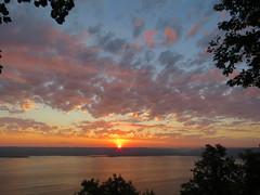 Sunrise Minnesota (tracydekalb) Tags: sky mississippiriver lakepepin minnesota frontenac frontenacstatepark
