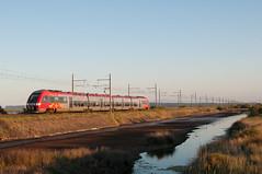 TER 876432 arrive  Port-la-Nouvelle (Trains-En-Voyage) Tags: agc portlanouvelle
