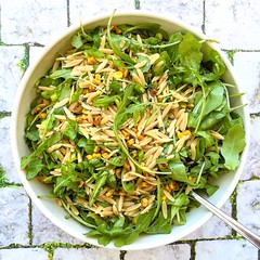orzo, greens & pan-charred corn salad (Jackie Newgent RDN, CDN) Tags: orzo corn arugula salad healthy seasonal recipe charred tasteoversbyjackie jackienewgent bowl wholegrain