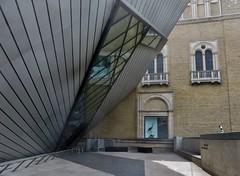 Toronto: Royal Ontario Museum (zug55) Tags: toronto ontario canada museum crystal rom royalontariomuseum daniellibeskind bloorstreet michaelleechincrystal thecrystal