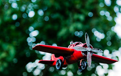 Plane Part 2. (Sorin Olteanu) Tags: blue red green nature contrast plane airplane sam natural outdoor samsung 1855mm nx nx2000 samsungcamera nxlens samsungsmart