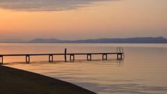 Ponton au petit matin (Fabrice1965) Tags: suisse neuchtel cortaillod lacdeneuchtel lac ponton paysage couleurs soleil reflets ciel nature nikond90