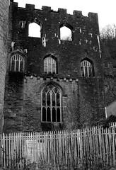Castell y Gwrych, Abergele (Rhisiart Hincks) Tags: nevezchotek nogothique adfywiadgothig gothicrevival pensaernaeth arkitektura architecture adeiladouriezh ailtireachd pennserneth abergele sirddinbych denbighshire castell kastell castle caisteal gaztelu adfail adfeilion ruin ruins dismantr dismantro hondakin hondakinak tobhta duagwyn gwennhadu dubhagusgeal dubhagusbn zuribeltz czarnobiae blancinegre blancetnoir blancoynegro blackandwhite  bw feketefehr melnsunbalts juodairbalta negruialb siyahvebeyaz rnoinbelo    zwartenwit mustajavalkoinen crnoibelo ernabl schwarzundweis dirywiad dirywio dadfeilio decay warziskar beheraldi abandoned gadawedig dilezet utzita utzitasun abandonment kembra wales cymru achuimrigh kembre gales galles anbhreatainbheag