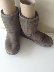 s-l1600 (9) (a.r.m.c) Tags: ugg boot worn used trashed hole