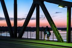 Watching the sunset (JayPiDee) Tags: abend architektur berlin brcke deutschland germany glienickerbrcke himmel leute menschen paar person prchen sonnenuntergang tamron tamronspaf2875mmf28xrdi tamron287528 wannsee architecture bridge couple evening people ponte sky sunset