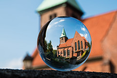 Kreuzkirche Kirchdorf (peter.pforr) Tags: glaskugel kreuzkirche wilhelmsburg hamburg