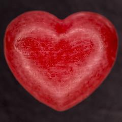 MM - Sweet Spot Squared - heart shape sweetie (stefanfricke) Tags: sweetie heart sweetspotsquared macro macromondays sony ilce6000 a6000 red fav50