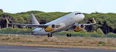 Vueling / Airbus A320-232 / EC-MGE (vic_206) Tags: ecmge airbusa320232 vueling bcn lebl despegue takeoff