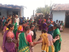 Tribal women welcome dance