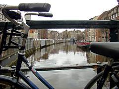 Singel (Gijlmar) Tags: holland netherlands amsterdam bicycle europa europe nederland bicicleta holanda bicyclette fahrrad fiets rower cykel bicicletta hollande avrupa amsterdo  hollanda pasesbajos  bisiklet kerkpr amsterd nederlnderna pasesbaixos      nizozemsko jzdnkolo