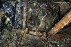 Fahrtenschacht - Ladder shaft (Reviersteiger) Tags: verlassen schacht vergessen abandonedmines bergbau untertage fördertechnik altbergbau eisenerzbergwerk stillgelegtebergwerke