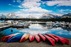 lbenemelis_colterbay (Kemakida) Tags: mountains color composition canon reflections landscape boats grandtetons jacksonhole kayaks colterbay june2016yosemite