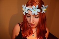 Soy un desastre... (Inspiracin dormida) Tags: girl redhair orange hair book pelirroja pelinaranja libro flores black