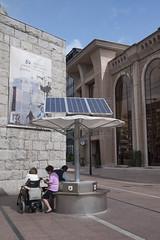 P1280815 (Jusotil_1943) Tags: minusvalia silladeruedas paneles solares hierro carteles posters