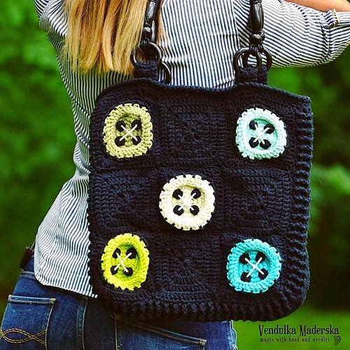 This girl is #madaaboutbuttons 😀😀😀😘 #newbag #bagpattern #crochetbag #madebyme #buttons #crochetbuttons #buttonsbag #handmade #handmadebag #vendulkam #crochetdesigner #crochetlover #crochetaddict #etsyhandmade #etsy