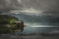 Notaholmen (Jose Cantorna) Tags: notaholmen cabaa agua cielo nubes noruega norway rland hordaland nikon d610 reflejo