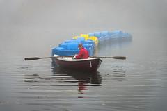 Fog Boat to Battersea (Torsten Reimer) Tags: nebel europa water boats pond unitedkingdom man london teich lake batterseapark battersea england fog wasser europe uk mist gb