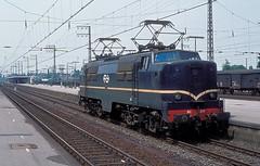 1211  Emmerich  06.08.77 (w. + h. brutzer) Tags: emmerich 12 eisenbahn eisenbahnen train trains railway niederlande holland elok eloks lokomotive locomotive zug ns webru analog nikon