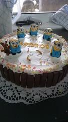 Minions Cake (missschokoholic) Tags: sony xperia z3 indoor cake kuchen torte torta minions cartone animato cartoon zeichentrick banana kinderschokolade kinder kids bambini color bunt farbe lecker tasty yummi gustosa