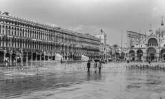 Chuva em Veneza (Serlunar (tks for 4.8 million views)) Tags: venezia veneza serlunar rain chuva em foto venice photo flickr