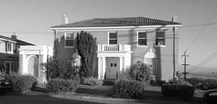 (sftrajan) Tags: sanfrancisco blackandwhite bw blancoynegro architecture blackwhite schwarzweiss sutroheights 2016 blancetnoir outerrichmond gearyboulevard 44thavenue 7949geary 7949gearyboulevard