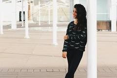 Terrazas 4 (leonardomuoz99) Tags: nikon coolpix p500 nikoncoolpixp500 mujer woman bella modelo model bat terraza luz claridad arquitectura smile mirada dark cabello wild aire libre gente