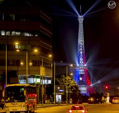 Tour BBR (apparencephotos) Tags: paris france rouge foot toureiffel montparnasse blanc bleue victoire euro2016