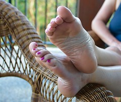 summer evening feet (goddess.italian1) Tags: foot feet toes soles arches pes pieds piedi anklet toe ring goddess italian sexy pedicure