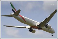 Boeing 777-31H(ER) (Bartlomiej Mostek) Tags: europe europa poland polska mazovia mazowsze warszawa warsaw epwa lotniskochopina chopinairport boeing 777300 77731h9er emirates a6epj cn42329