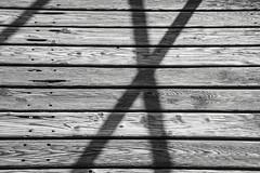 / X (Elbmaedchen) Tags: blackandwhite x holzsteg maserung schwarzweis