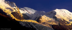 Derniers Rayons sur le Mont-Blanc....... (Malain17) Tags: soleilcouchant mountain montblanc chamonix panorama snow altitude alpinisme alpes photography photographers pentax image paysage colors hautesavoie sommet lumire glacier