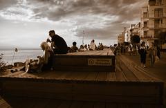 Boardwalk (Maria Eklind) Tags: sunlight sunset nature city vstrahamnen soldcket sun summer sweden siluett malm boardwalk trdcket vatten strandpromenad solnedgng goodnightsun sundspromenaden europe silhouette sky skneln sverige se