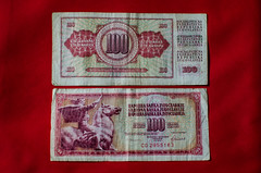 212/365 - Money (goran1101) Tags: nikon d5100 nikkor 35mm oldness old bills bill money red communism sfrj yugoslavia serbia 100 dinara