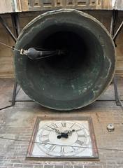 'Clock And Bell' (EZTD) Tags: eztd eztdphotography eztdphotos photos fotos nikond90 sevilla seville sevilha spain espana espagne spana catedral dom bell clock giralda catedraldesevilla