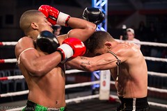 Showdown Muay Thai (Mario Palhares) Tags: vermelho muaythai nakmuay feplam fotopelea fight fighter fighters trdicional