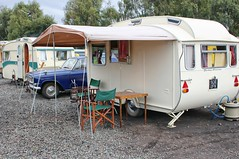 Stirling Caravan (Lazenby43) Tags: caravan classiccar ford zephyr 906ufk quorn