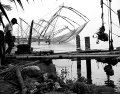 """Chinese Fishing Nets"" (DarkLantern) Tags: bw india blackwhite candid streetphotography kerala indien inde   fortkochi"