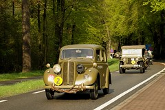 Liberation festival - 5th May 2015 - The Netherlands (16) (Stone.Rome) Tags: england usa canada holland classic netherlands car festival truck military may canadian gb keep british them 5th liberation rolling hillman woii bevrijdingsdag