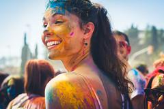 Smiling @ Holi BCN (modesrodriguez) Tags: people girl smile festival holi