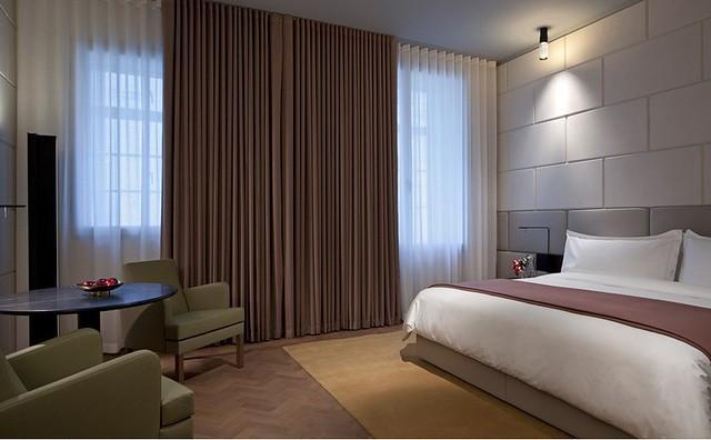 アフタヌーンティーで人気のホテル カフェ ロイヤル