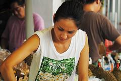 Yaumatei fruit market (Edvard Tam) Tags: hongkong street streetphotography yaumatei fruitmarket girl lady asianfemale asian asiangirl asianwoman asianlady female