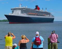 Queen Mary 2 entering Halifax Harbour (bluenosersullivan) Tags: queenmary2 oceanliner halifax halifaxwaterfront novascotia atlanticcanada davesullivan can