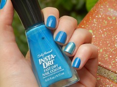 Brisk Blue - Sally Hansen + Sereia - Super Prola (Letcia Bertoncello) Tags: blue sally hansen brisk