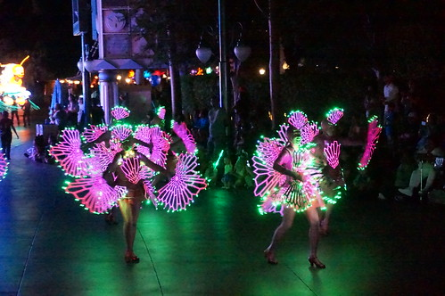"""Undersea Dancers in Paint the Night • <a style=""""font-size:0.8em;"""" href=""""http://www.flickr.com/photos/28558260@N04/28672423780/"""" target=""""_blank"""">View on Flickr</a>"""