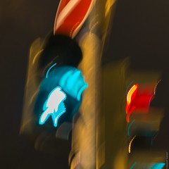 traffic light (loop_oh) Tags: blur blurred trafficlight ampel deutschland europa frankfurt frankfurtammain hessen luminale main metropole stadt nicht light licht
